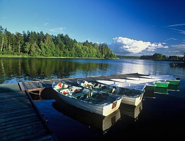 Obóz sportowy Serwy - widok na jezioro
