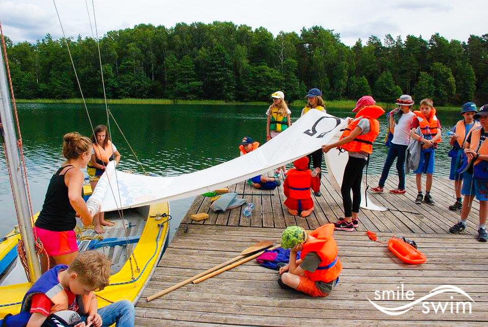 Obóz pływacki - pływanie łódką wiosłową
