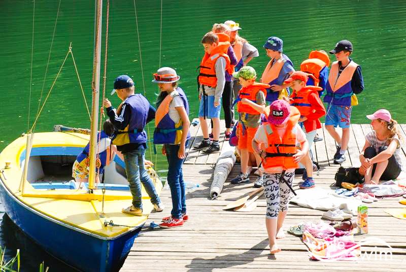 Obóz pływacki - pływamy łodzią