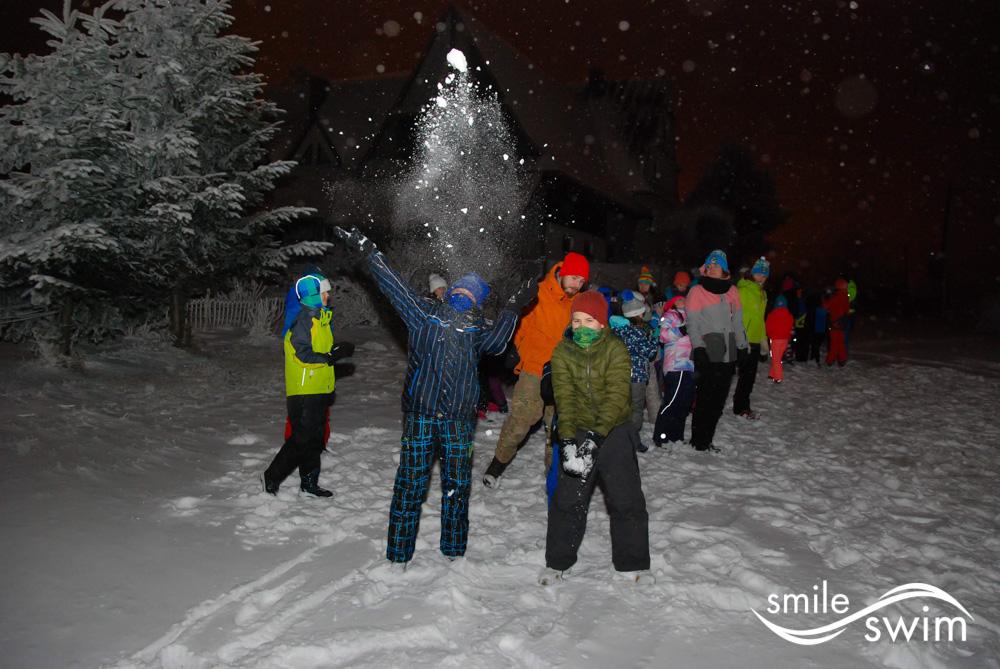 Ferie zimowe - zabawy w śniegu