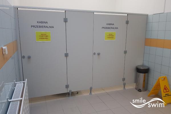 Basen OSiR Mokotów Niegocińska - kabiny do przebierania się