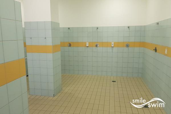Basen OSiR Mokotów Niegocińska - prysznice